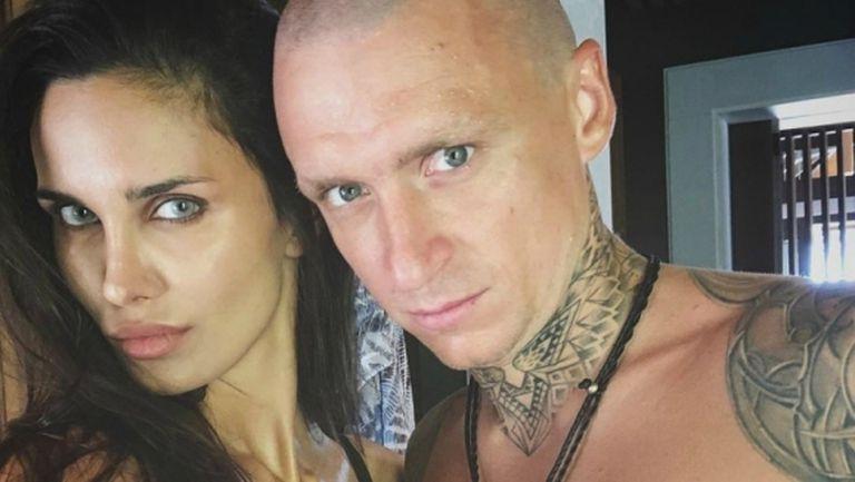 Не вярват на секси брюнетка, че е жена на побойника Мамаев