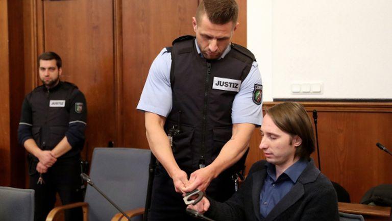 Мъжът, който едва не уби футболисти на Борусия (Д), може да лежи в затвора до края на дните си