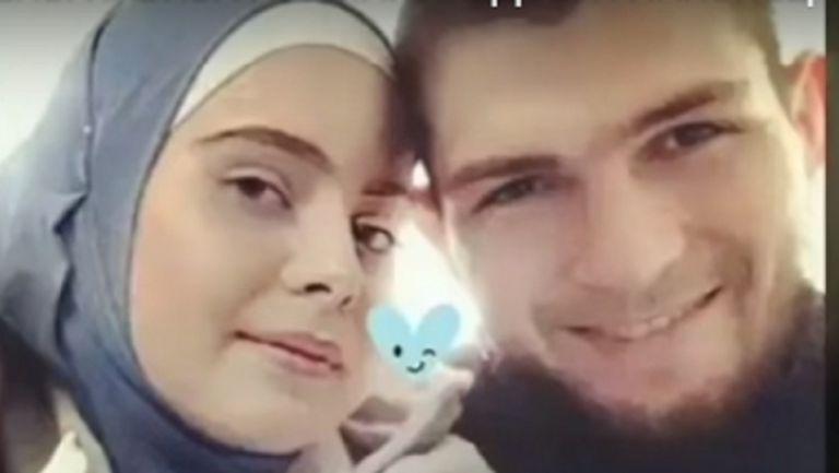 Хабиб отново се покри при въпрос за жена му
