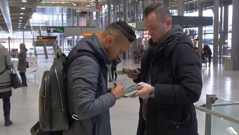 Лудогорец пристигна в Кьолн, Марселиньо раздава автографи (снимка)