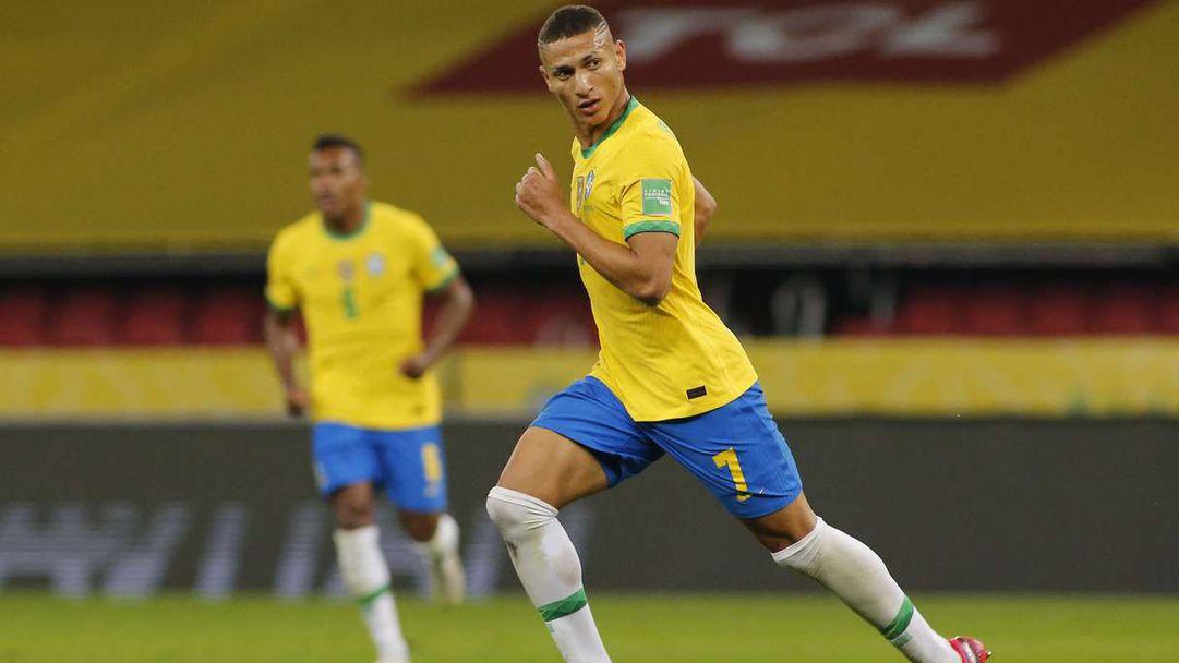 Бразилия продължава без грешка в квалификациите (видео)