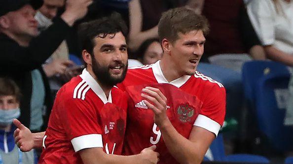 Соболев откри резултата срещу България от дузпа