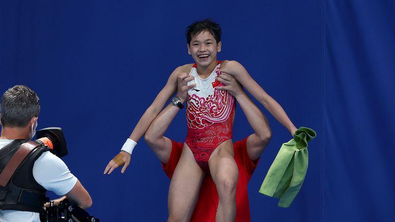 14-годишна спечели титлата по скокове във вода от 10-метрова кула в Токио