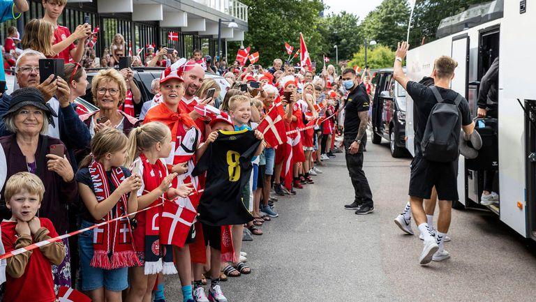 Изпратиха датчаните като герои преди заминаването за Лондон