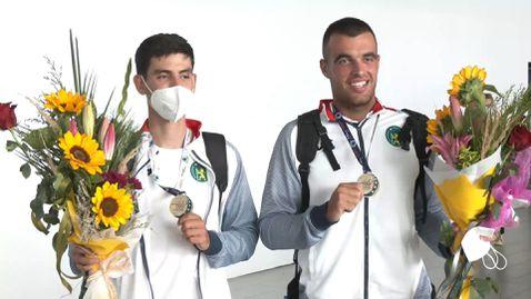 Европейските шампиони по гребане Емил Нейков и Лазар Пенев се прибраха в България