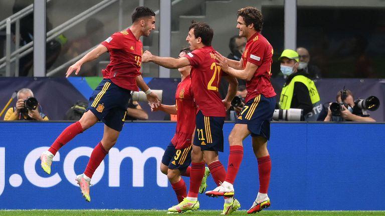 Сладко отмъщение за Испания и край на рекордната серия на Италия