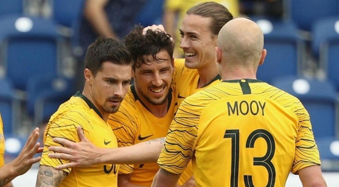 Австралия загря за Световното със солидна победа над Чехия
