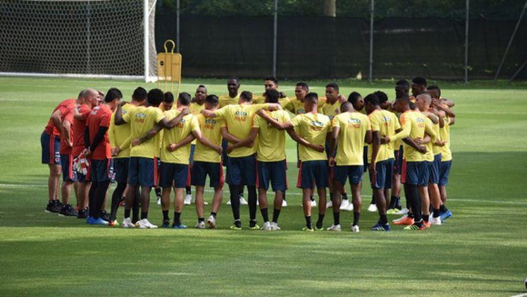 Хамес и Фалкао повеждат Колумбия