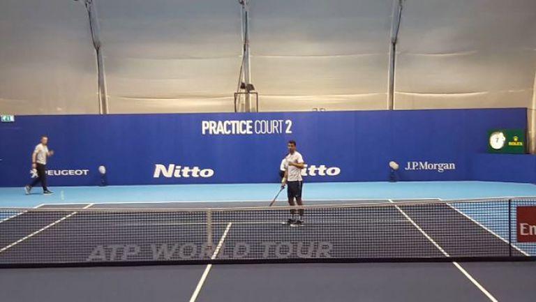 Григор Димитров тренира в Лондон