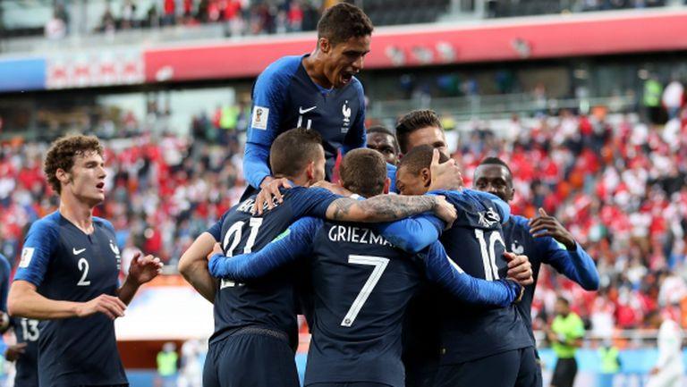 Франция пак не очарова, но продължава напред след победа над Перу (видео)