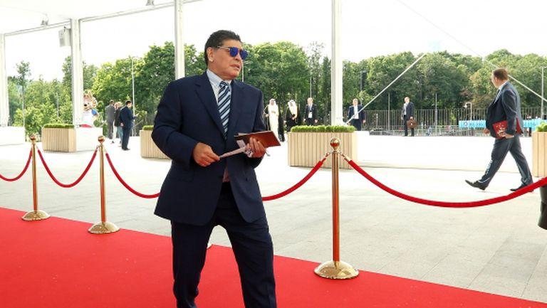 Марадона има рецепта за излизане от кризата