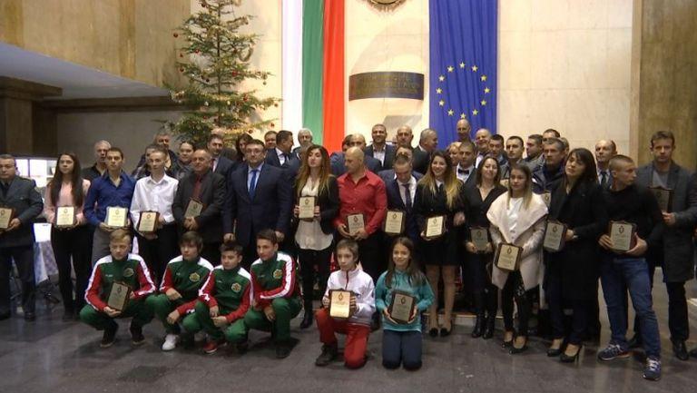 МВР раздаде годишните си награди