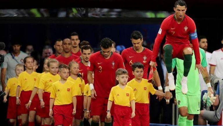 Португалия има оръжията, с които да победим Уругвай, уверен е треньорът Сантош