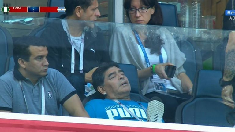 Състоянието на Марадона е стабилно и той върви към подобрение