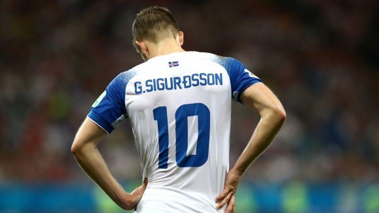 Гилфи Сигурдсон призова федерацията на Исландия да задържи треньора