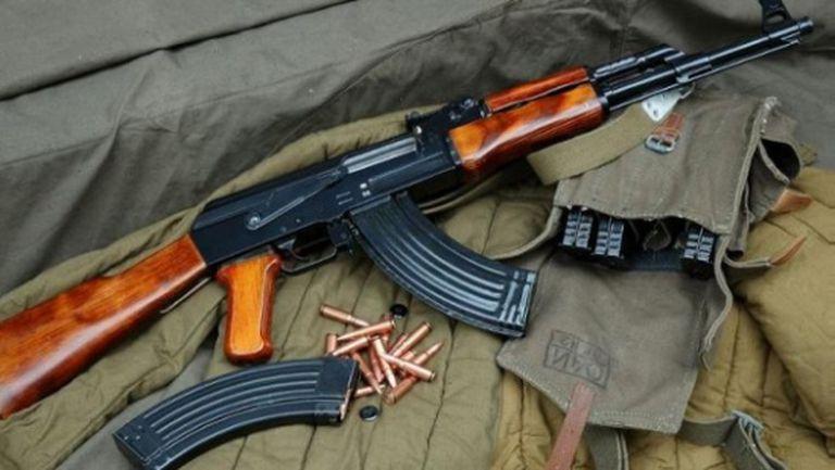 """Германската полиция арестува фен на Русия с """"Калашников"""""""