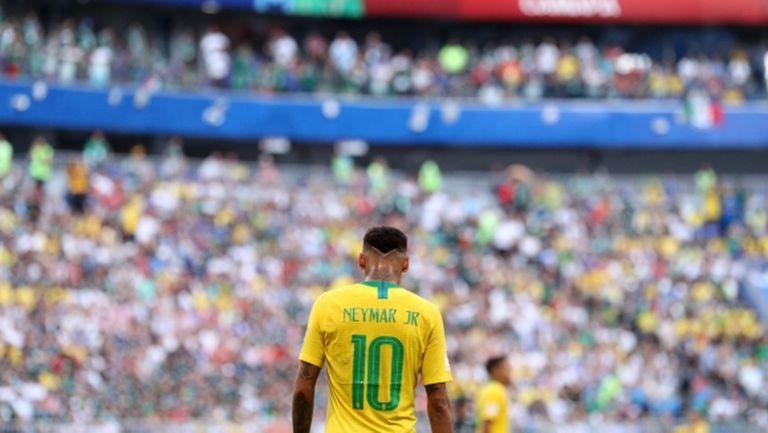 Неймар е фаворит за Футболист на сезона, счита бразилецът Роналдо