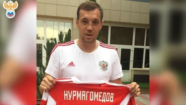 Руският национален отбор по футбол прати подарък на Хабиб и му пожела успех
