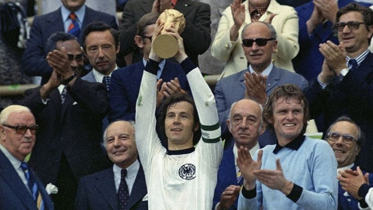 Преди 44 години Германия спря Кройф и Холандия