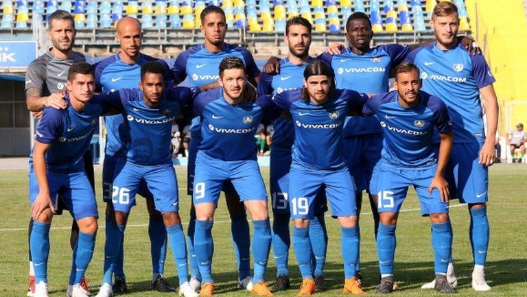 Роси взе 20 футболисти за мача с Вадуц (ето групата)