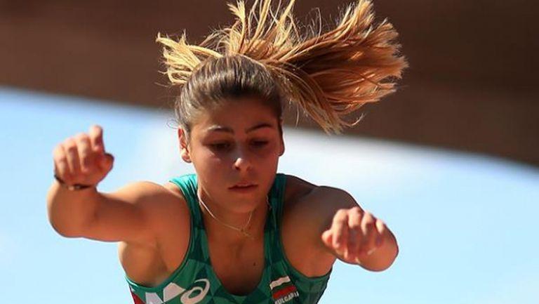 Невероятно! Александра Начева е на върха на света в тройния скок със страхотен резултат!