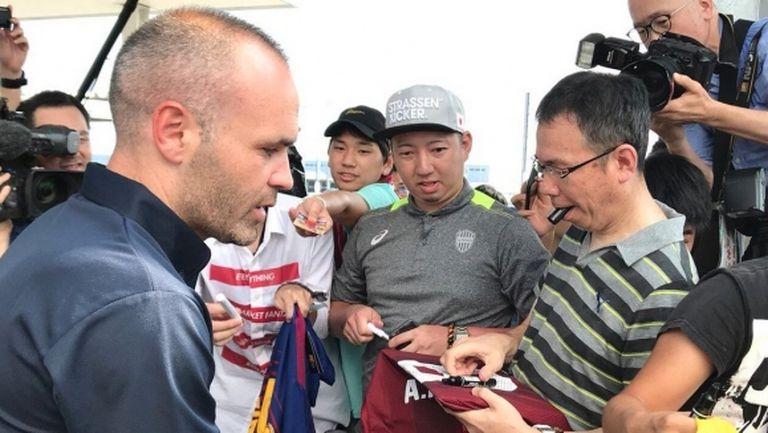 Иниеста пристигна в Япония и заяви: Искам да играя колкото се може по-скоро