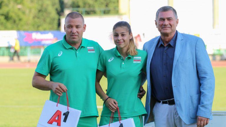 Президентът на БФЛА награди Начева и Цонов за титлата