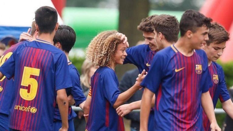 Барса притежава 15-годишен футболен вълшебник, който живее като суперзвезда
