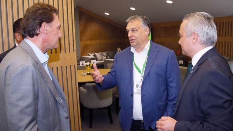 """Виктор Орбан си тръгна с подаръци от """"Лудогорец Арена"""" (снимки)"""