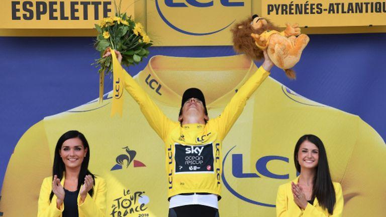 Първенецът на Тур-а стигна Париж с шампанско в ръка