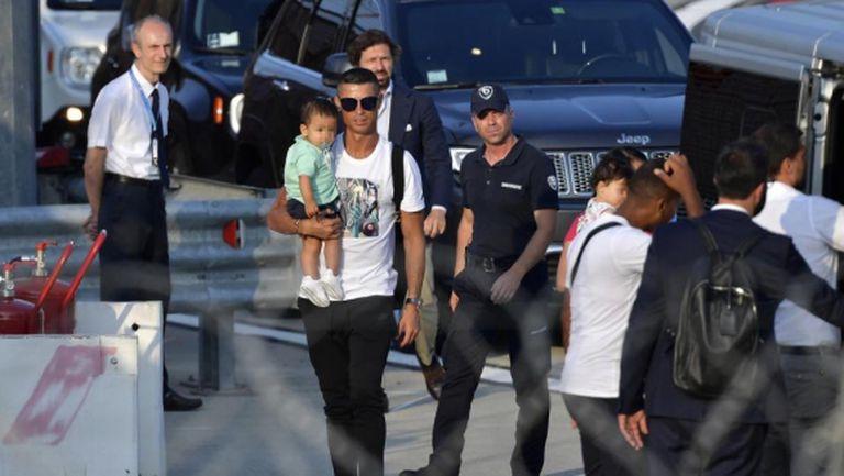Новата ера в Юве започва: Кристиано се прибра от ваканция (видео)