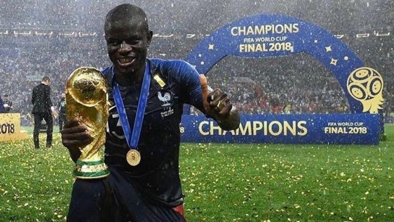 Челси предлага златен договор на Канте