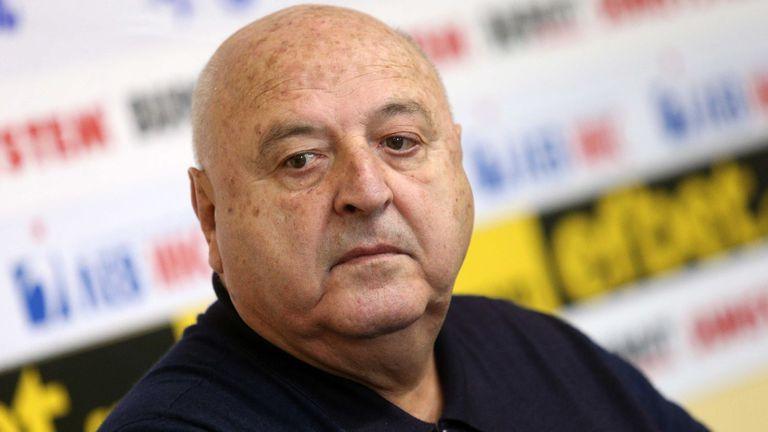 """Стефанов отправи """"последно предупреждение"""" към Бербатов"""