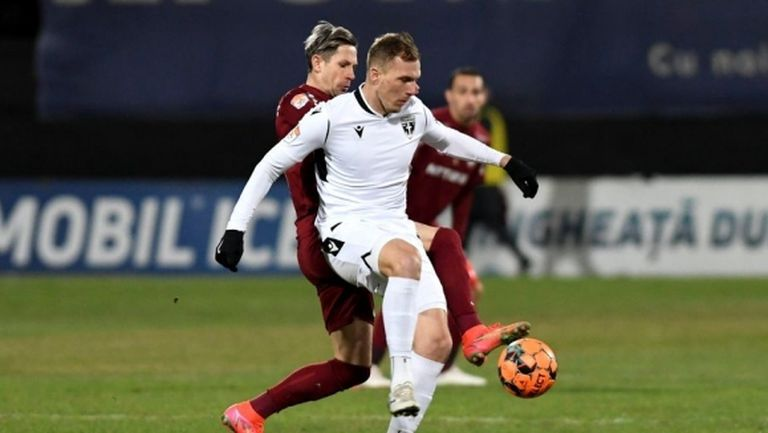 Антони Иванов и компания взеха точка в скандален мач с шампиона