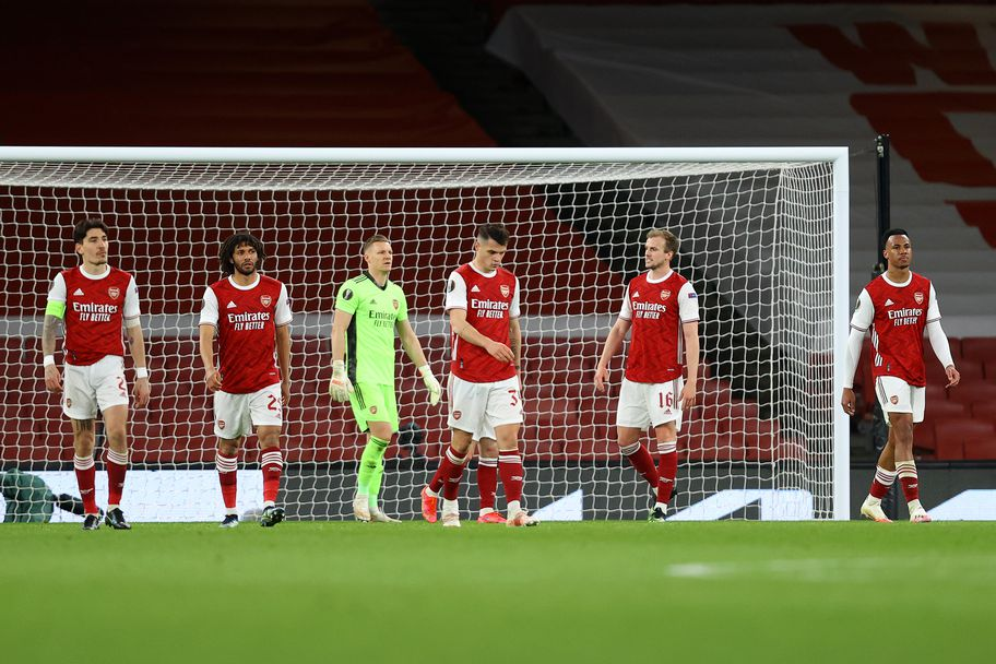 Груба грешка в края усложни задачата на Арсенал (видео)