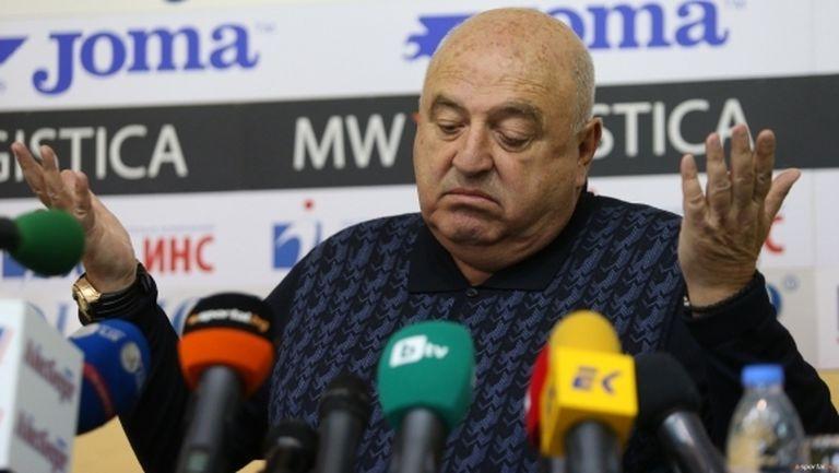 """Венци Стефанов: Колят БГ отборите в Европа като гергьовденски агнета, предупредиха ме, че ментето ще ни """"отреже главите"""""""