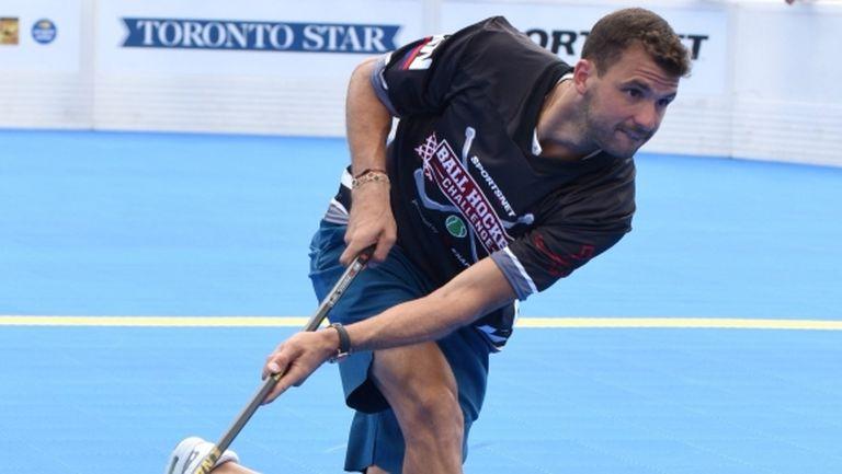 Григор Димитров се пробва на хокей