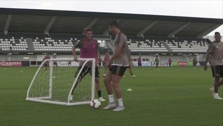 "Забавно: Вижте как Ругани ""спря"" Кристиано на тренировка на Юве (видео)"