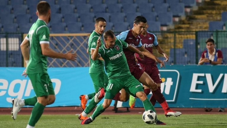 Ботев (Враца) взе първи три точки в елита срещу Септември (Сф) (снимки+видео)