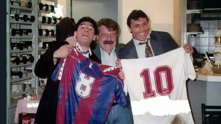 Стоичков не можел да се насити на охлюви в Барселона