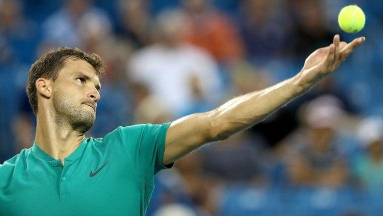 Григор Димитров си показа ракетите за US Open