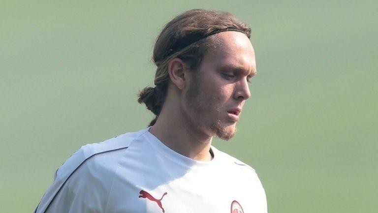 Халилович остава в Милан, поне засега