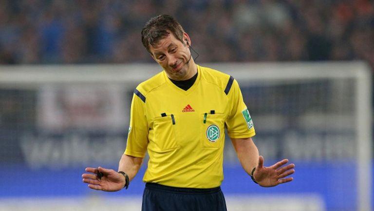 """Волфганг Щарк беше отстранен от екипа на Видео-асистент съдиите за Бундеслигата за """"неопределено време"""""""