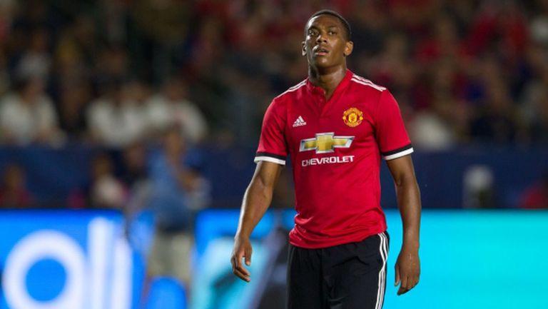 Юнайтед предложи нов договор на нежелан от Моуриньо