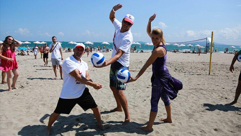 Варна е домакин на първия по рода си нощен турнир по плажен волейбол