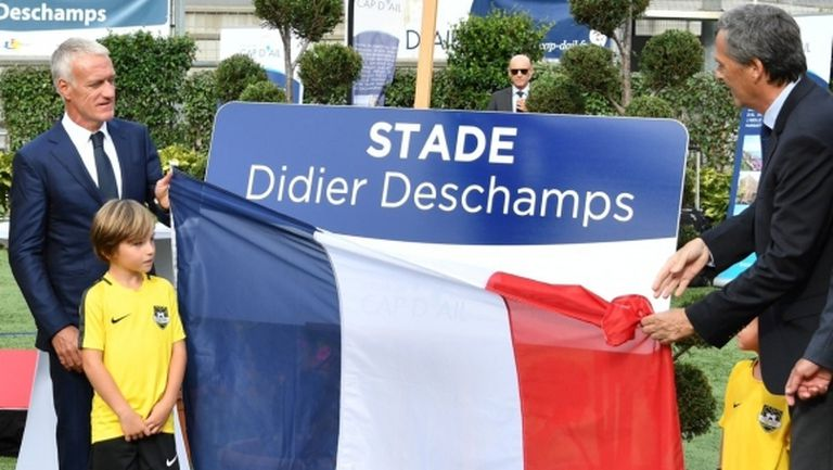 Кръстиха втори стадион на името на Дидие Дешан