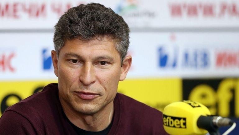 Балъков: Не съм дошъл да печеля, бих дал всички пари на футболистите