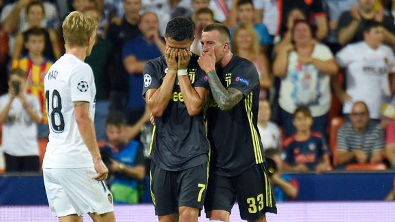 Сестрата на Кристиано Роналдо бясна след червения му картон