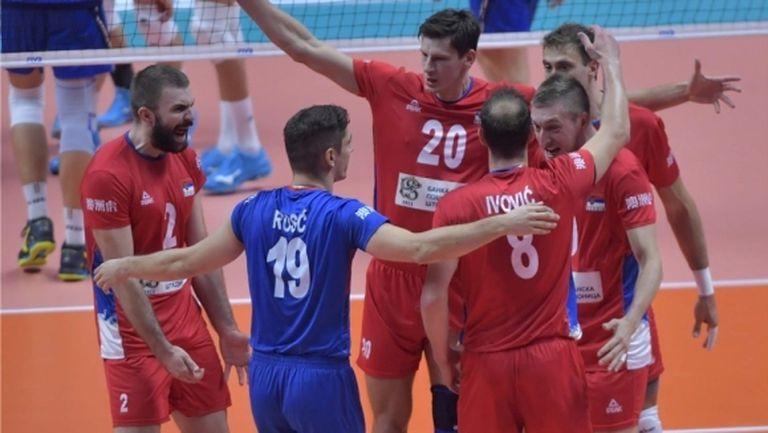 Сърбия шокира Италия насред Торино (видео + снимки)