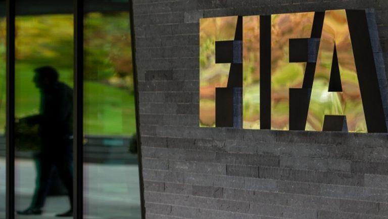 ФИФА с идея за железни мерки при трансферите